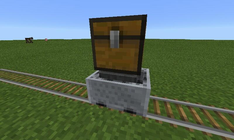Вагонетка с воронкой в Minecraft Pocket Edition 0.14.1