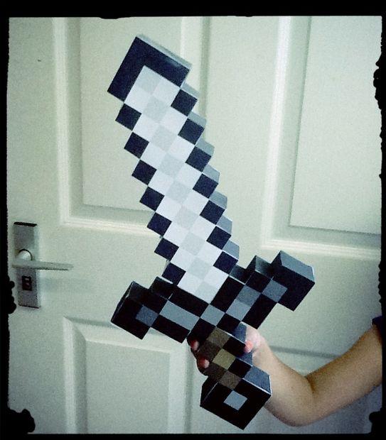 железный меч из Майнкрафт!